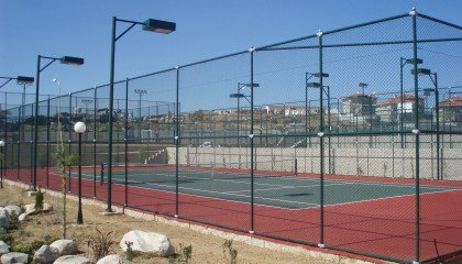 Spor Sahalarına Tel Çit